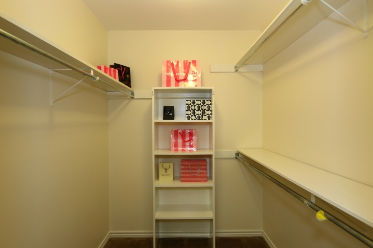 Buyers like to see a walk in closet photo online.
